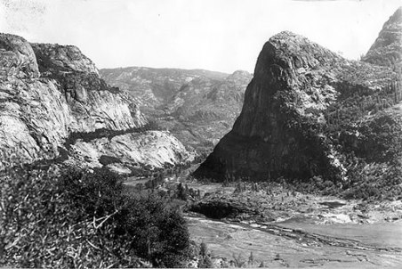 Hetch Hetchy valley before dam